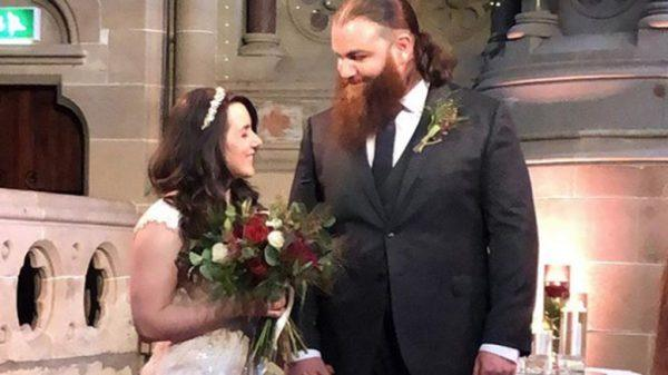 20 WWE Couples That Are Still Married (Photos)