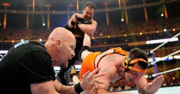Michael Cole Versus Jerry Lawler - 5 worst wrestlemania matches