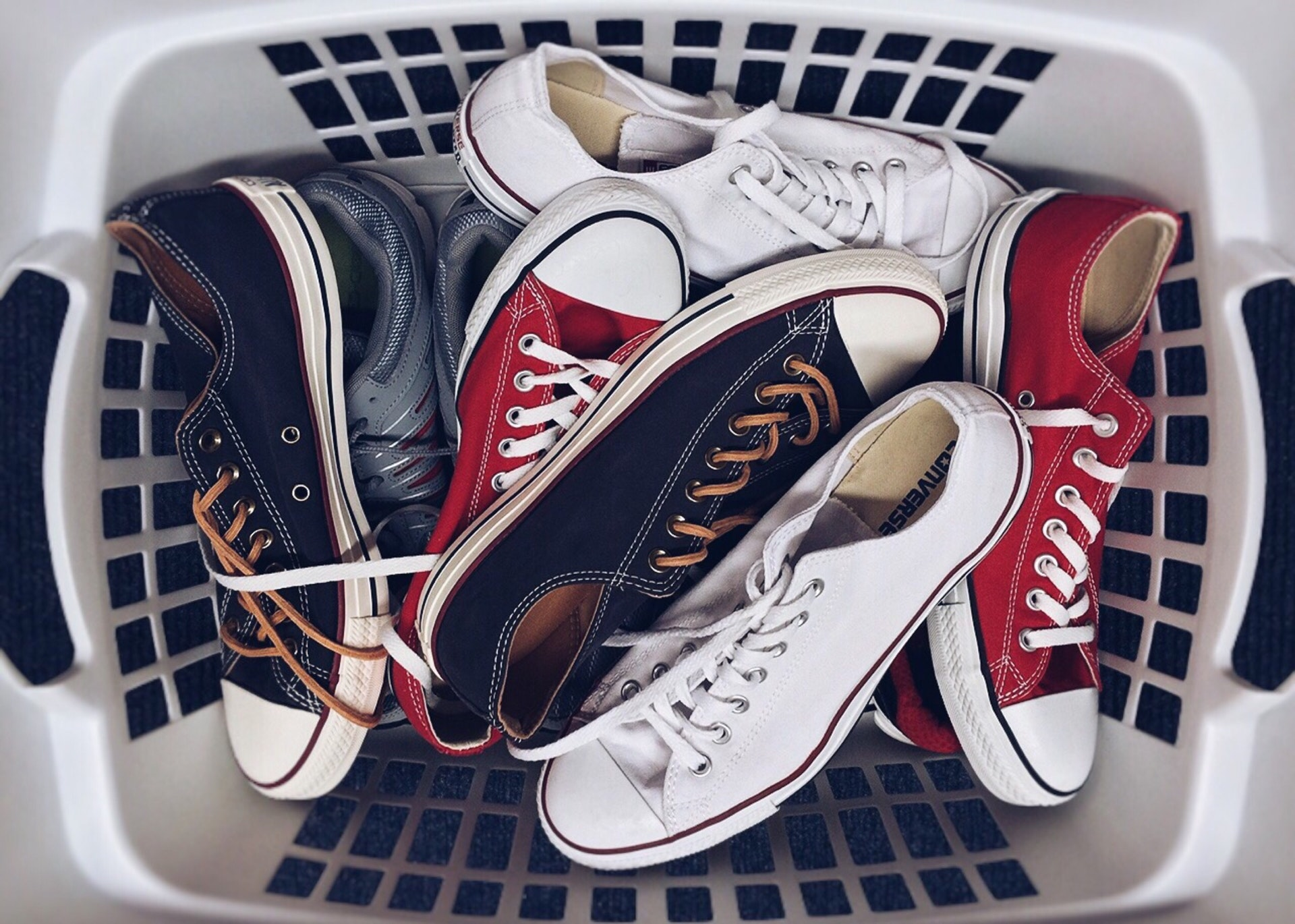8 Best Places to Sell Shoes for Cash