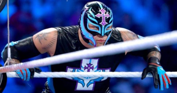 Is Rey Mysterio Re-signing with the WWE?