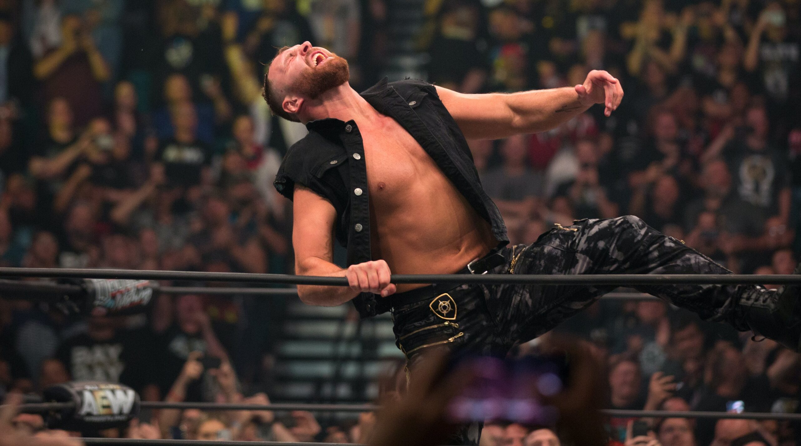 Find out how AEW Jon Moxley told fans how he was going to be a dad